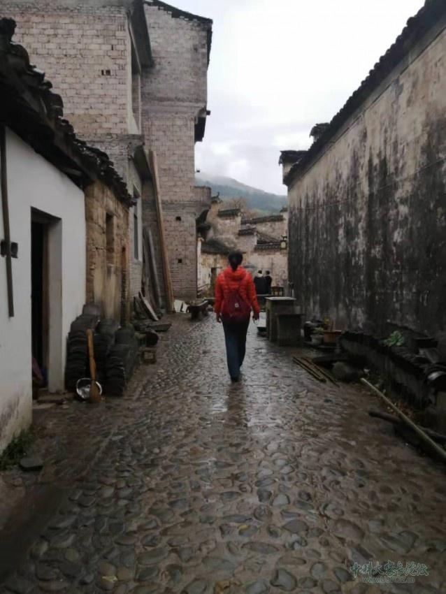 雨巷中的背影.jpg